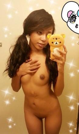 Die schöne junge Mädchen nackt-selfies